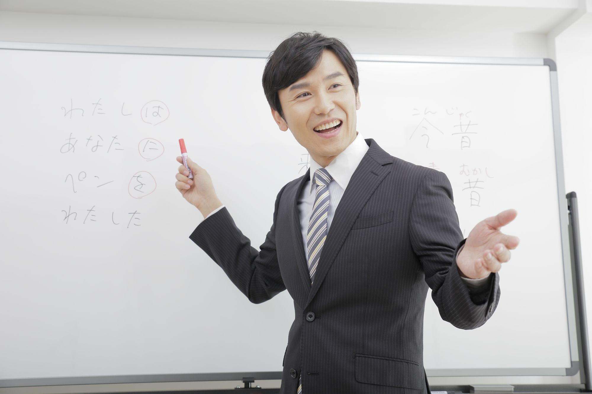 "<span class=""title"">フランチャイズの個別指導塾を始めるなら塾業界の市場規模を要チェック!</span>"